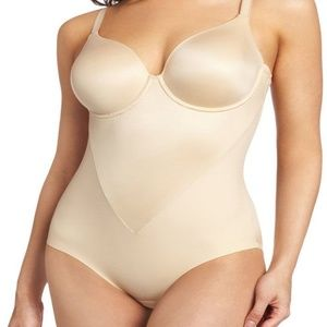 Maidenform Smooth Shaping Extra Coverage Bodybrief